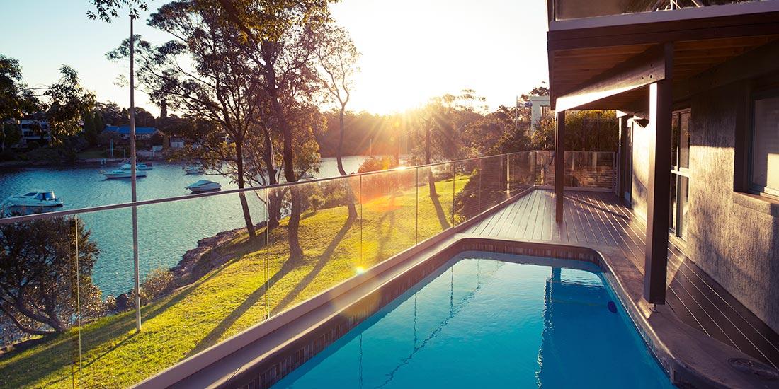 Pool fencing glass panels