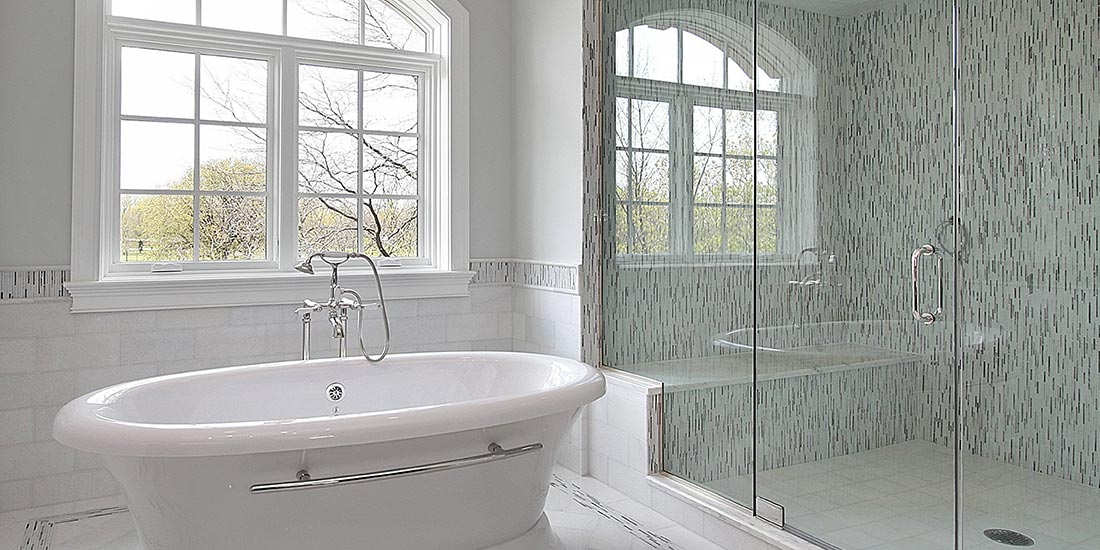 Frameless glass shower screens for your bathroom
